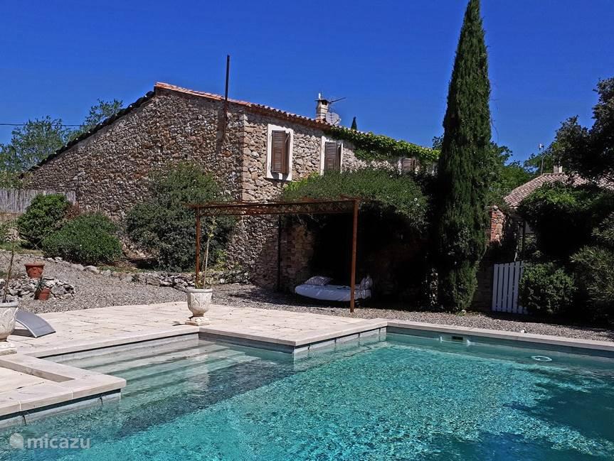 Vacation rental France, Languedoc-Roussillon, Saint-Jean-de-Minervois villa Villa La Nostalgie