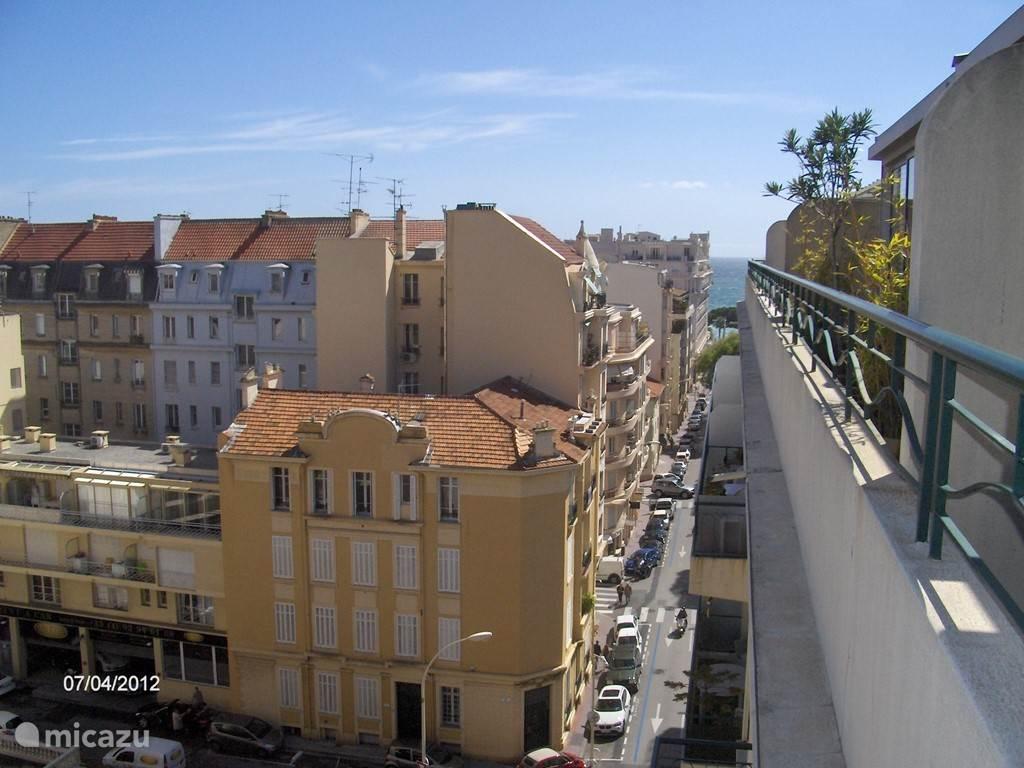 Uitzicht buiten de balcon.