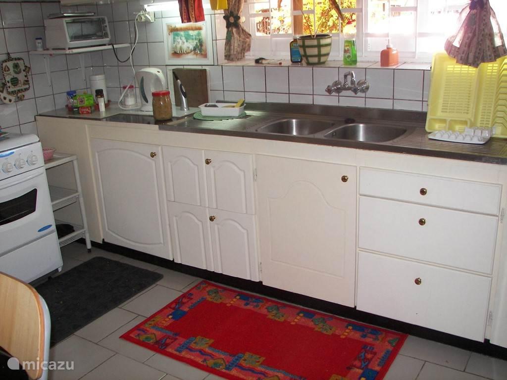 De keuken van het huisje.