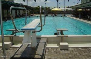 Zwembad De Dolfijn Paramaribo.