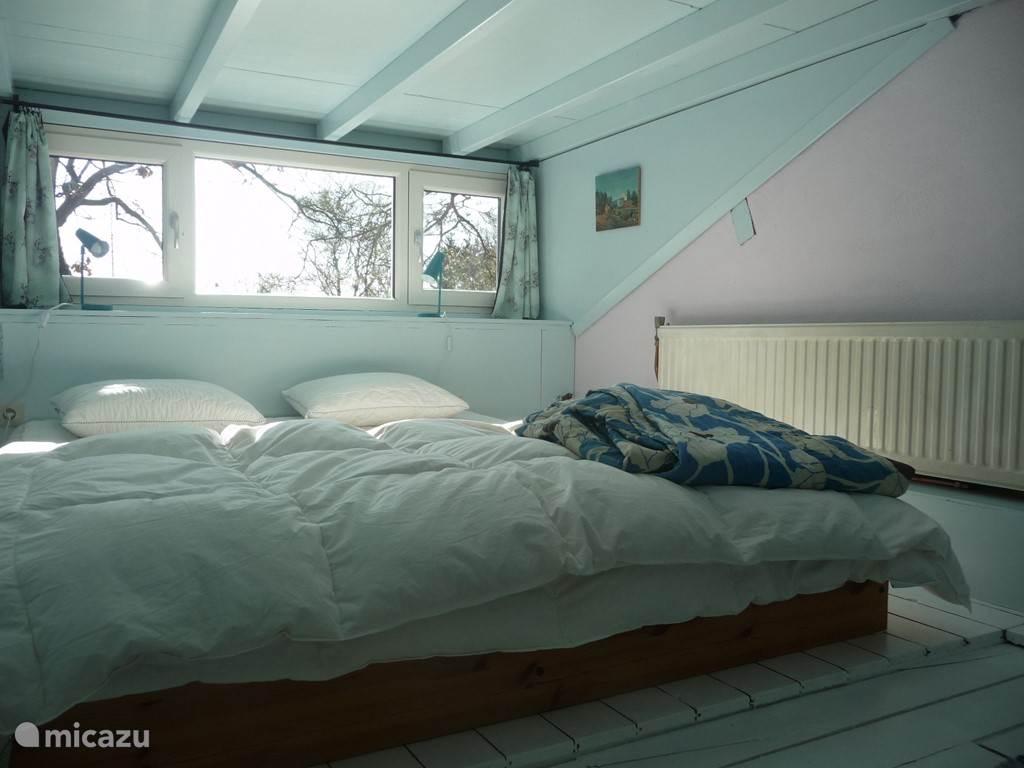 slaapruimte boven (1.50 stahoogte)