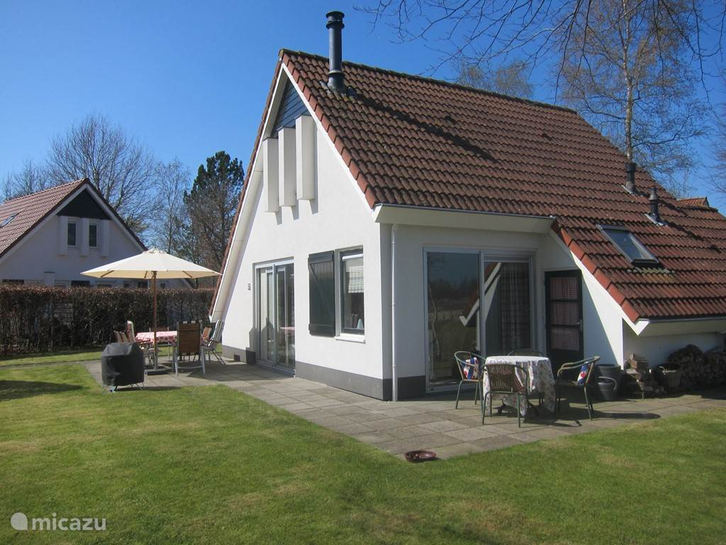 Vacation rental Netherlands, Friesland – holiday house The White House