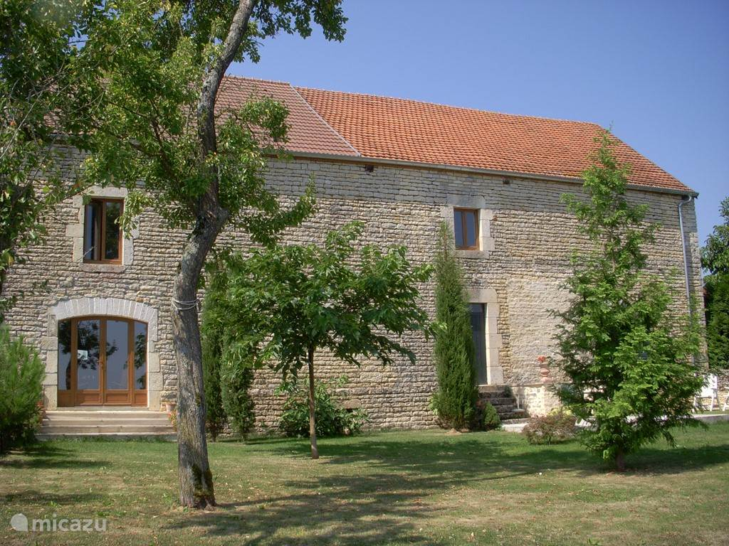 Vacation rental France, Burgundy, Mosson farmhouse Dialogue in Burgundy