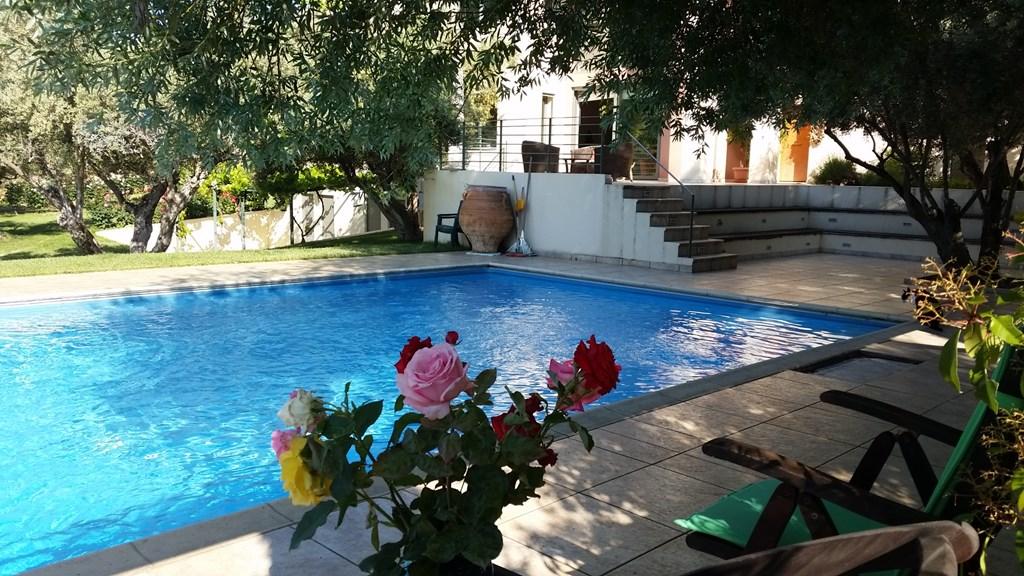 Geniet van de warmte, rust en natuur! In september speciale aanbieding: € 420 per week Bed & Breakfast voor twee personen in appartement met zwembad.