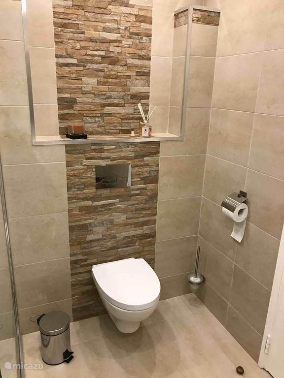 Appartement Amandel badkamer