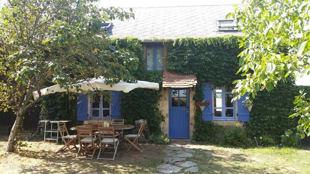 Vacation rental France, Auvergne, Montlucon farmhouse La Brande du Chagnerats