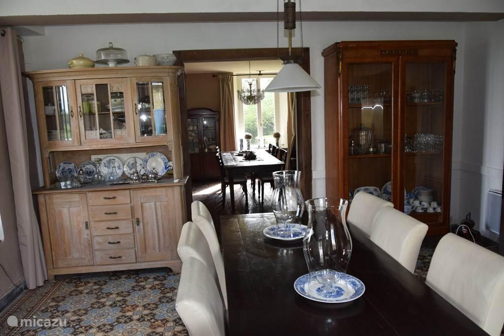 keuken met deur naar woon-eetkamer 2
