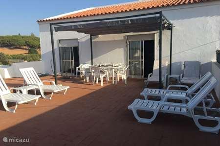 Vacation rental Portugal, Algarve, Porches apartment Casa Caminhos