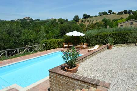 Vacation rental Italy, Marche, Sant'Angelo (Pontano) holiday house Casa Cannavino