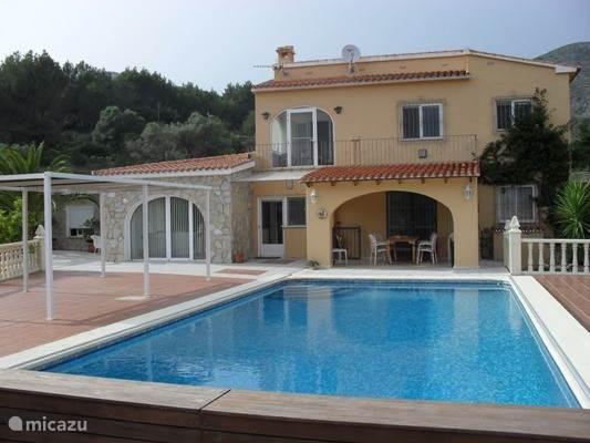 Vakantiehuis Spanje, Costa Blanca, Jalon villa Villa Bernia met gedeeld zwembad