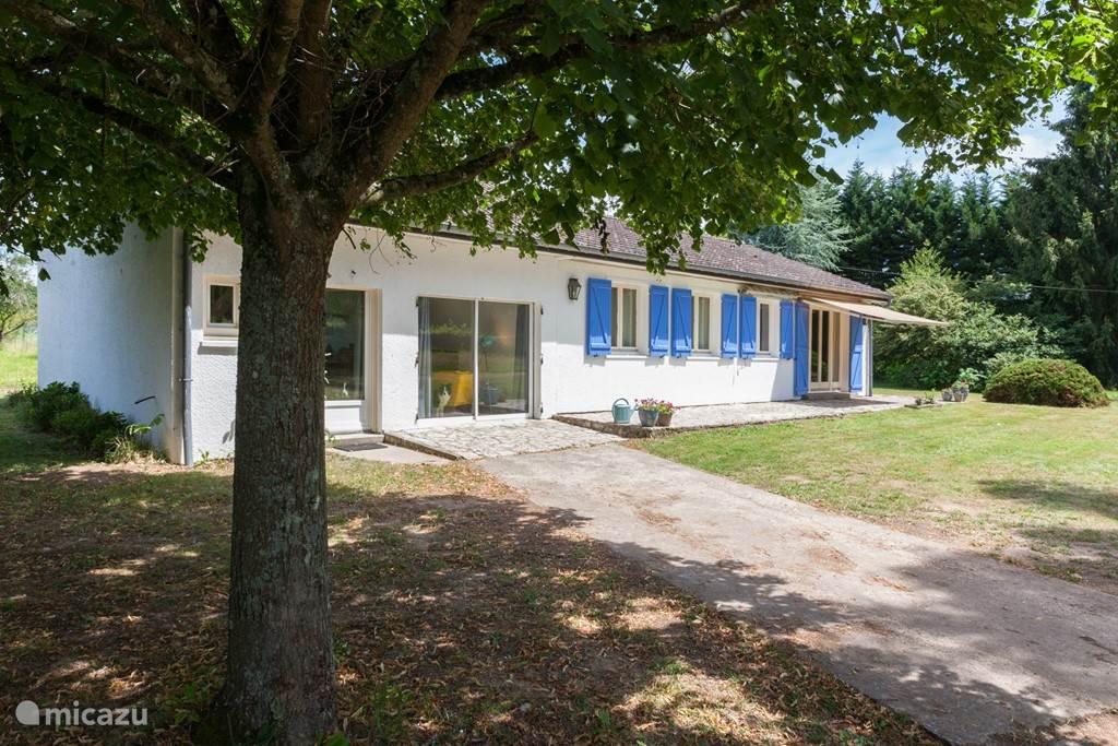 Vacation rental France, Loire – studio Studio Les Giraudors