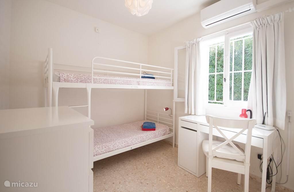 3e slaapkamer met stapelbed voor kinderen