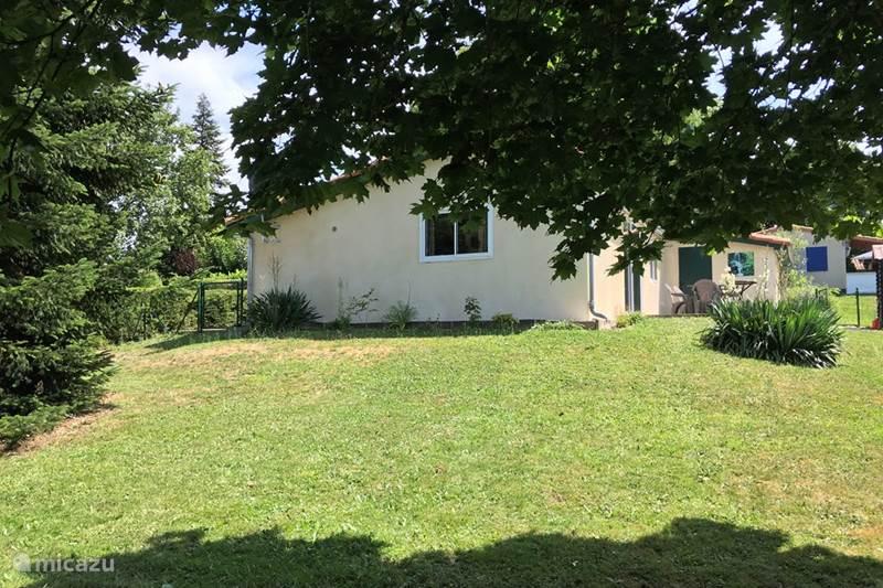 Vakantiehuis Frankrijk, Charente, Écuras Vakantiehuis Village LeChat106 Het Kippenhok