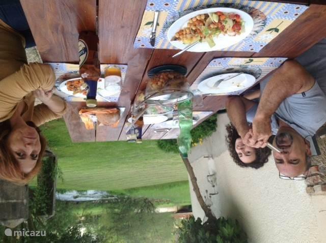 buiten dineren