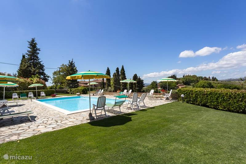 Vacation rental Italy, Tuscany, Casole d'Elsa Apartment Apartment Ciliegio