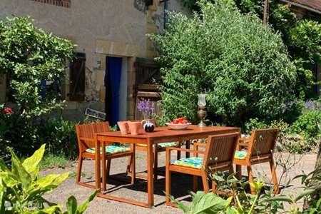 Vacation rental France, Allier, Vernusse  gîte / cottage Four à Pain, 6 persons