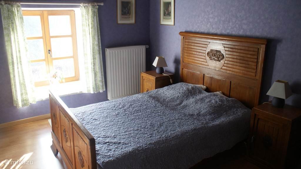Geben charmante Schlafzimmer.