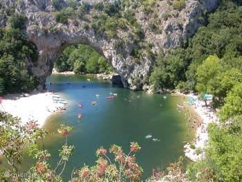 strandje en rivier de Ardèche