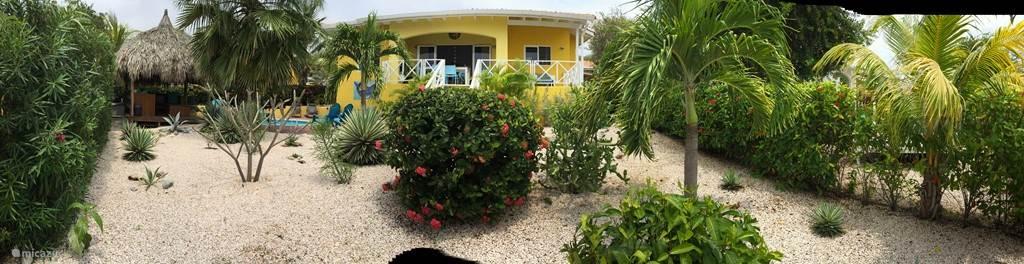 Tuinzijde Villa CinSu