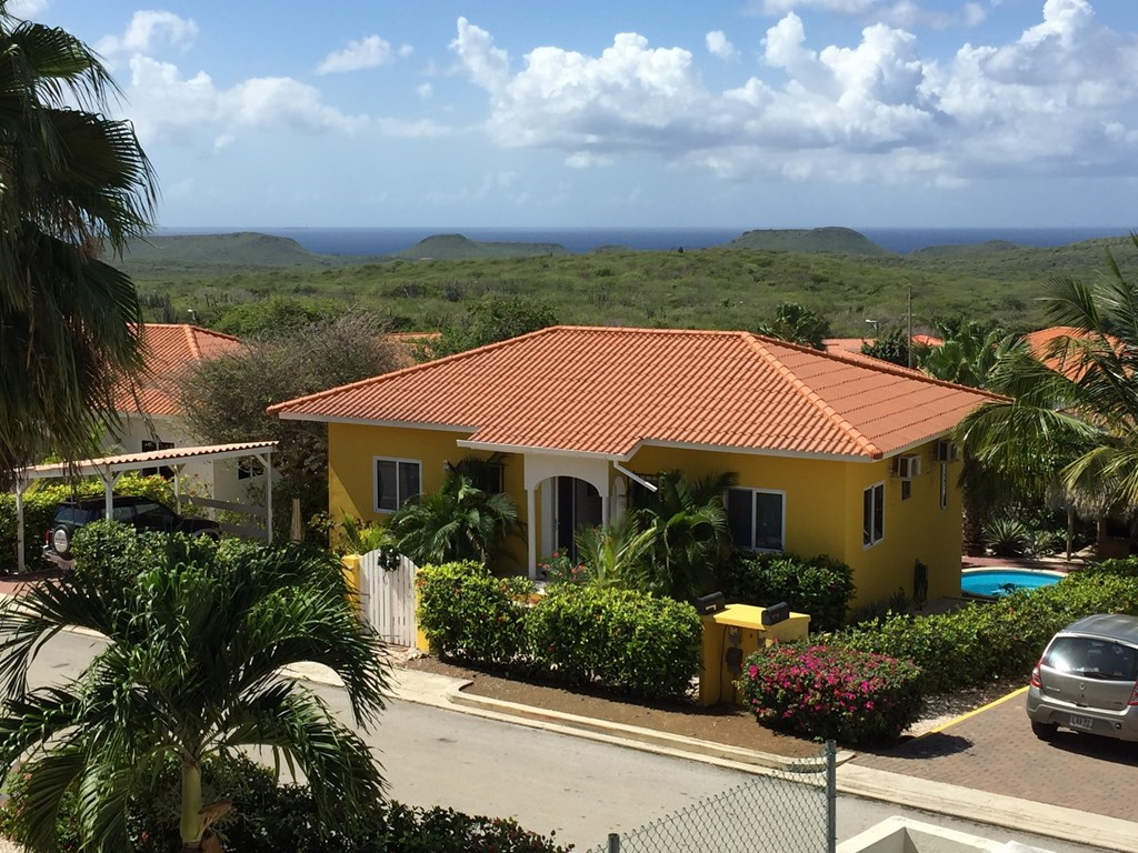 Villa CinSu Curacao is beschikbaar voor de aanbiedingsprijs van €490 per week voor de zomer en najaar van 2018. Villa CinSu snelcode 23901.