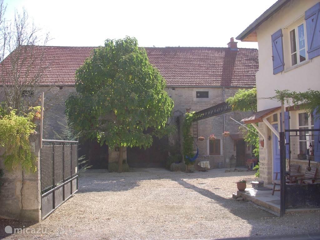 Vakantiehuis Frankrijk, Bourgogne, Mosson Boerderij Va en Vien