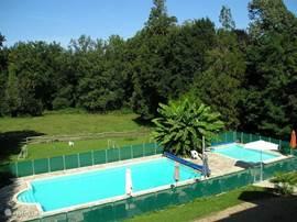Verwarmd kinderbad 6X4 en verwarmd zwembad 12X6, volledig beveilgd conform de normen