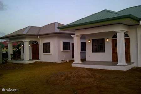 Vakantiehuis Suriname, Paramaribo, Paramaribo - appartement Theresia's appartement 1