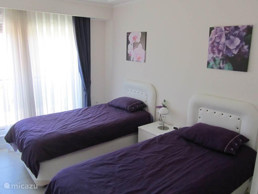 2 persoons enkel bed slaapkamer