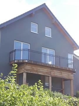 ferienhaus haus am m hlenberg in hohenfels essingen eifel deutschland mieten micazu. Black Bedroom Furniture Sets. Home Design Ideas
