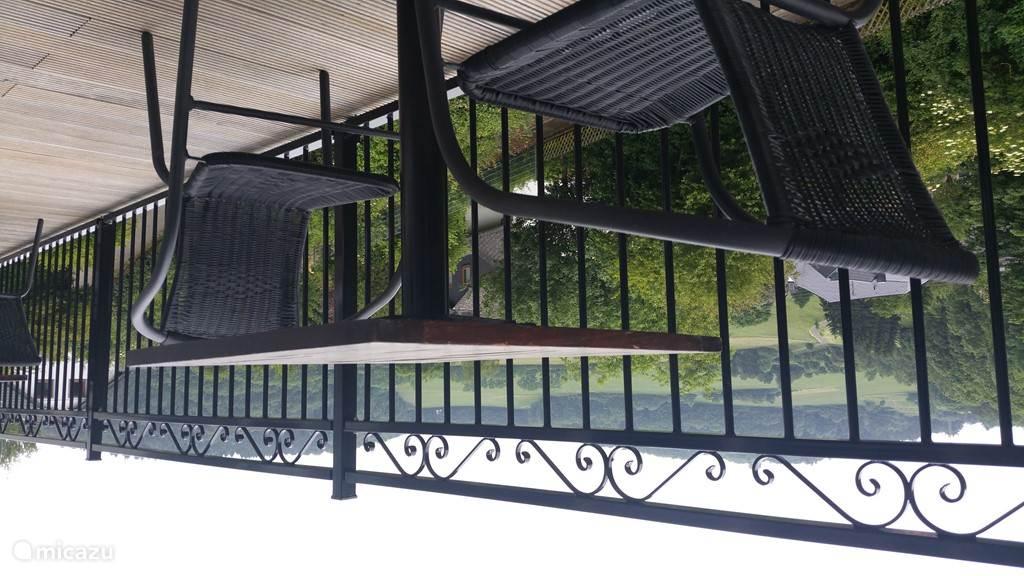 Zicht vanaf balkon.