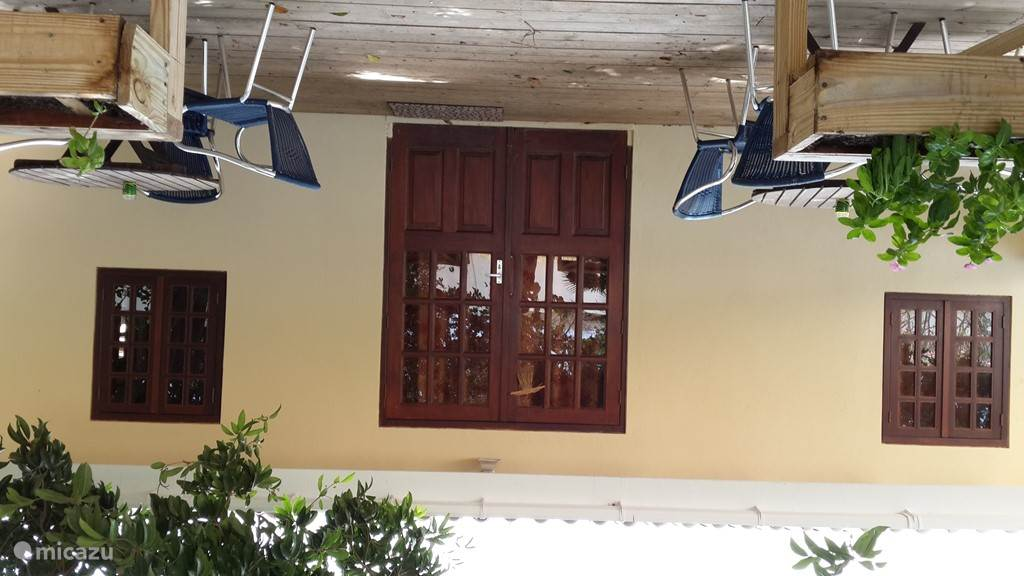 Ingang en veranda