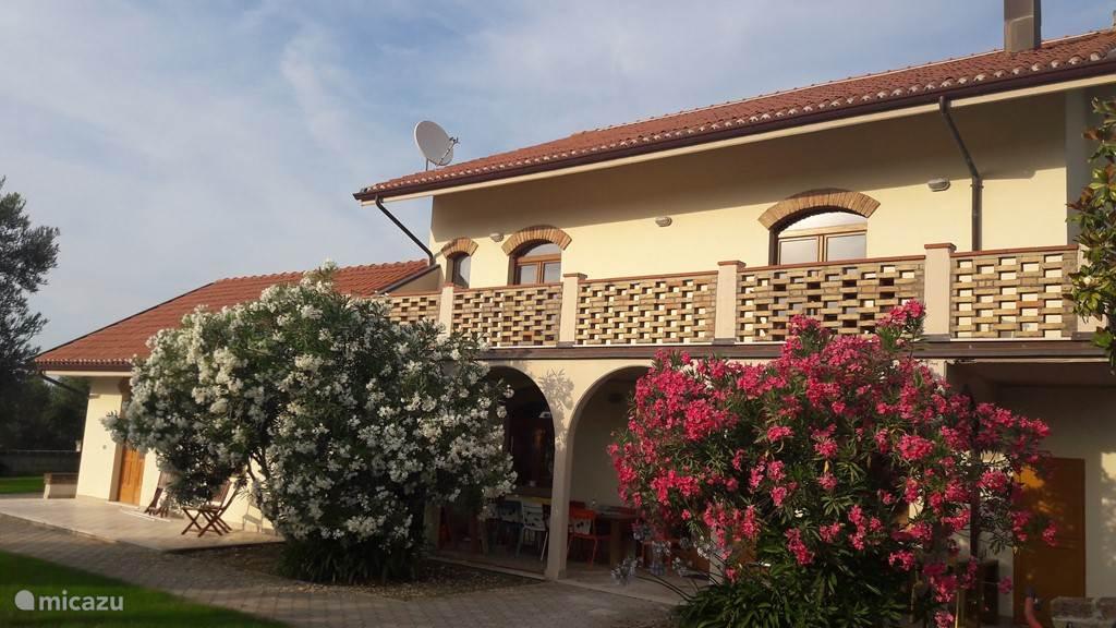Vakantiehuis Italië, Abruzzen, Pescara Vakantiehuis Villa Belpaese - Combi Mare Colline