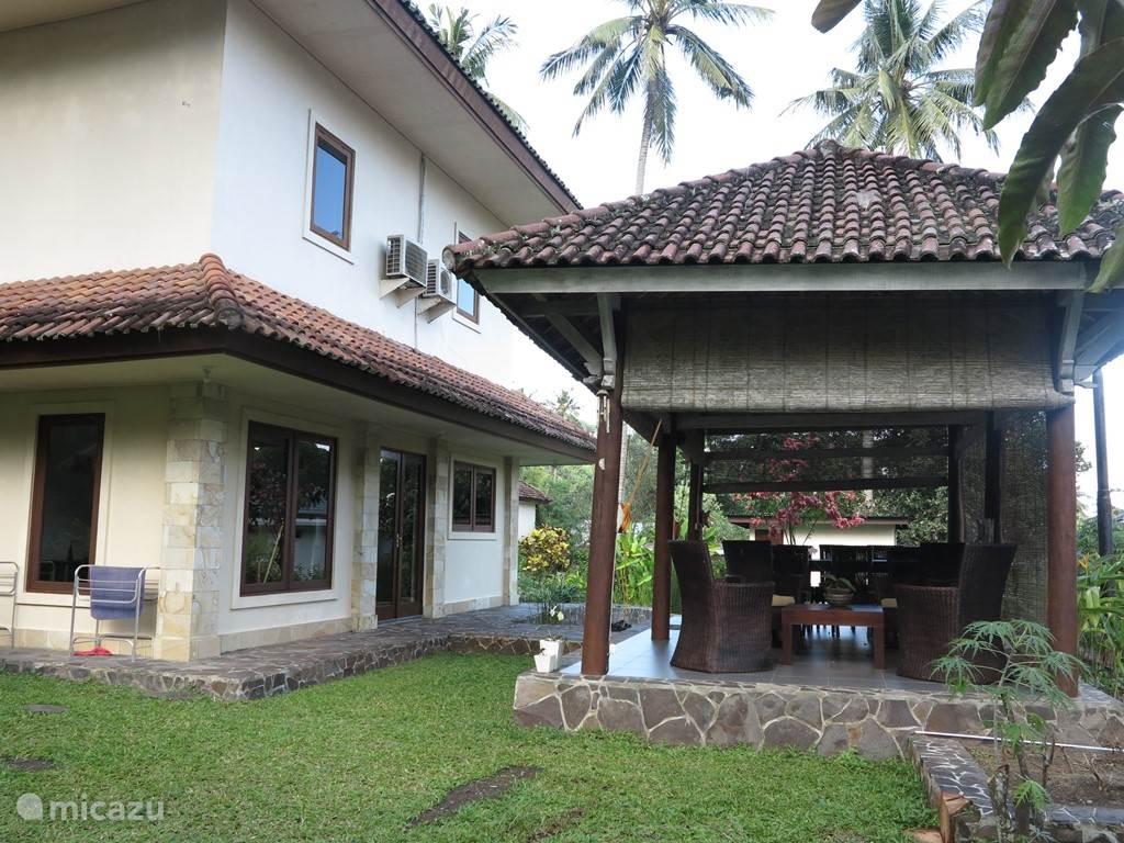 Outside stay Villa Ida