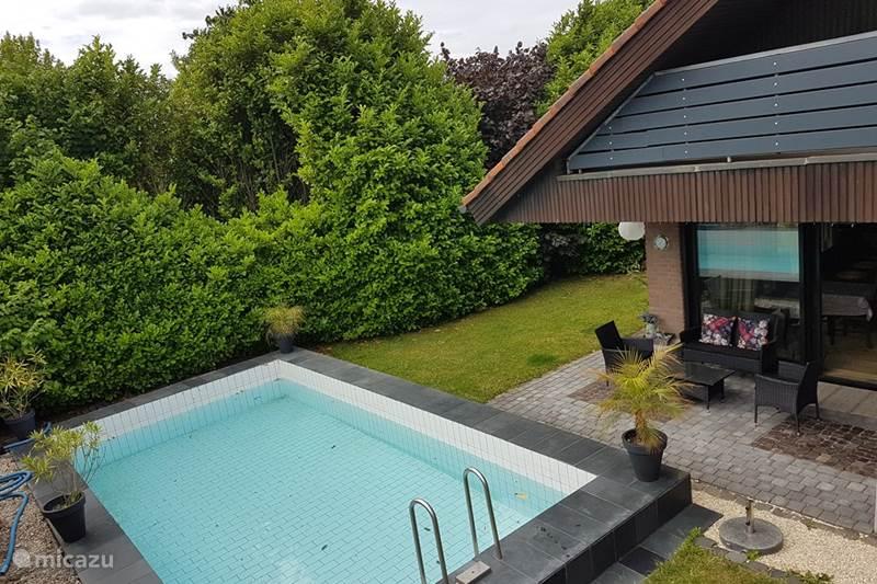 villa frei stehende villa mit pool sauna in emmerich am. Black Bedroom Furniture Sets. Home Design Ideas