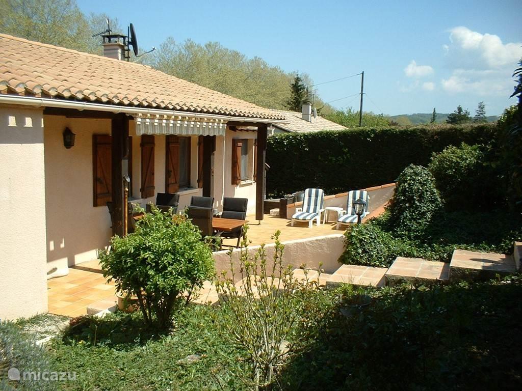 Vacation rental France, Languedoc-Roussillon, Caudeval bungalow Mas Caudeval