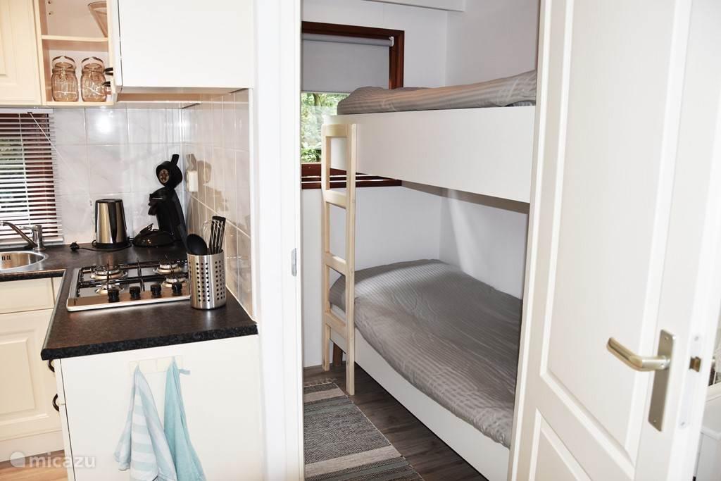 Tweede slaapkamer met stapelbed.