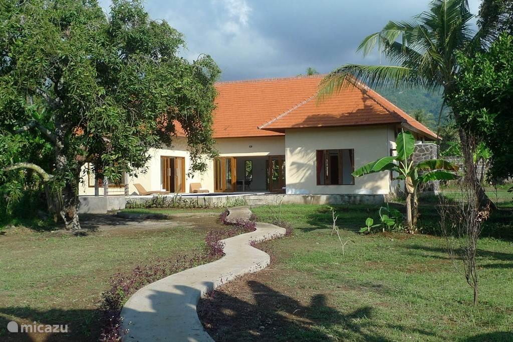 Villa Jompo Lovina