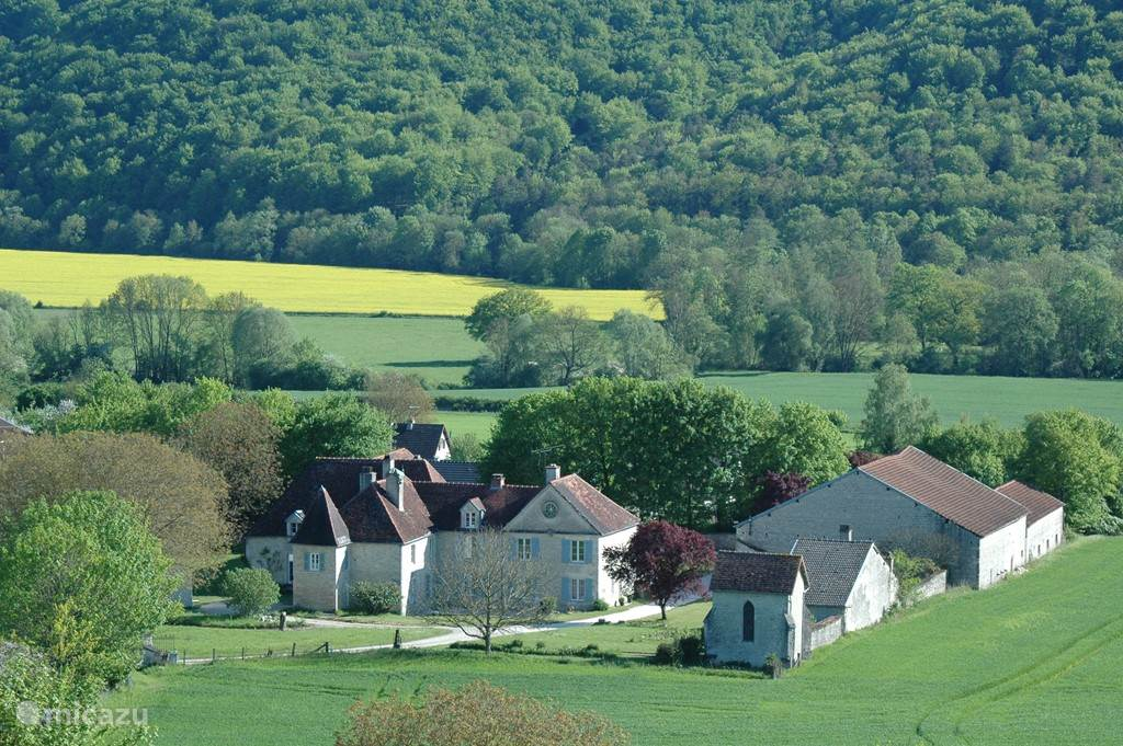 Vacation rental France, Champagne-Ardenne – manor / castle Domaine Rennepont and Champagne