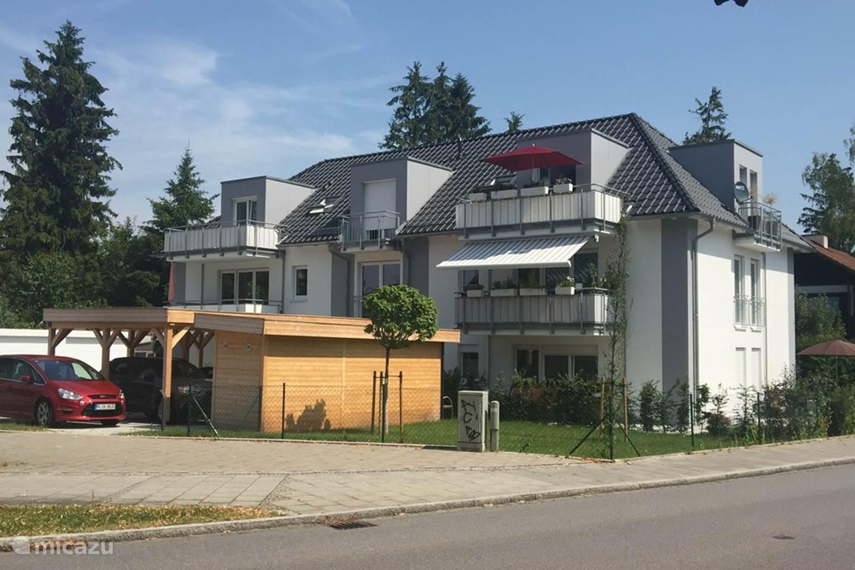 Gezellig Zonnig Balkon : Gezellig nieuw appartement münchen in eichenau beieren huren? micazu