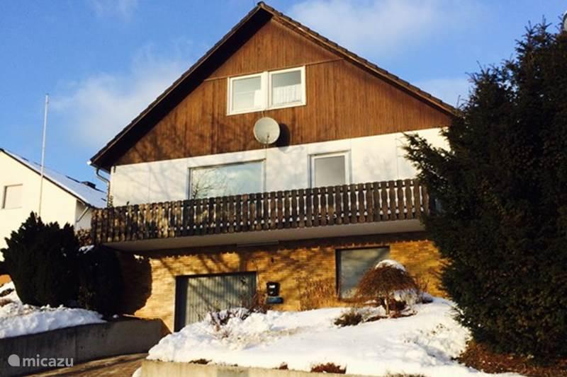 villa haus stein blick in olsberg elleringhausen. Black Bedroom Furniture Sets. Home Design Ideas
