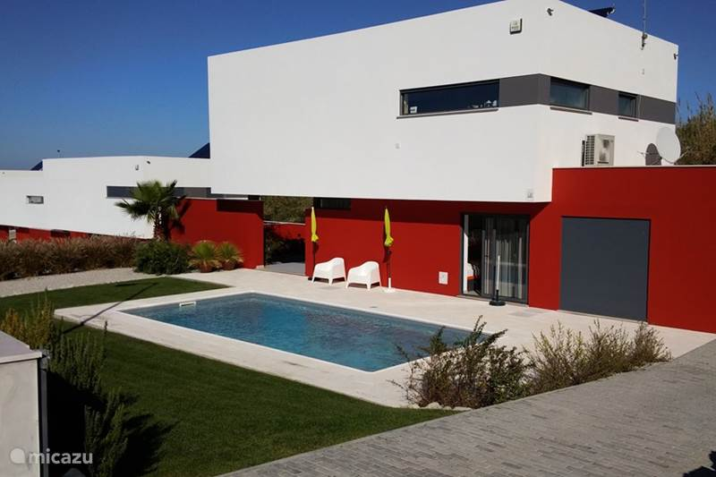 ferienhaus porto dinheiro in lourinha lissabon portugal mieten micazu. Black Bedroom Furniture Sets. Home Design Ideas