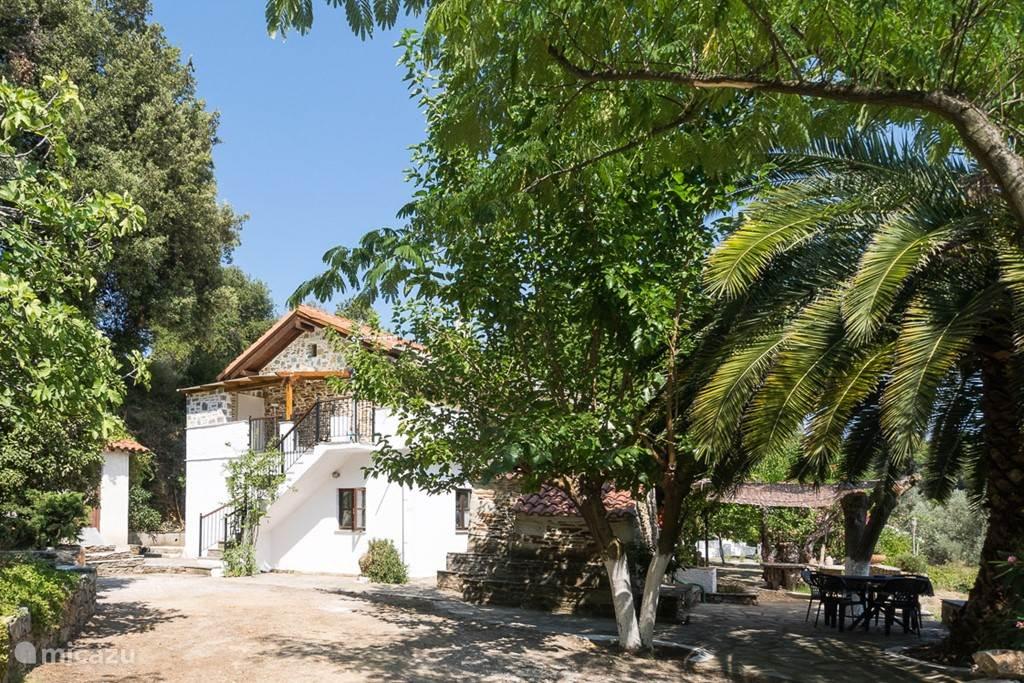Huis met Apartment Vicky, Platanias, South Pilion