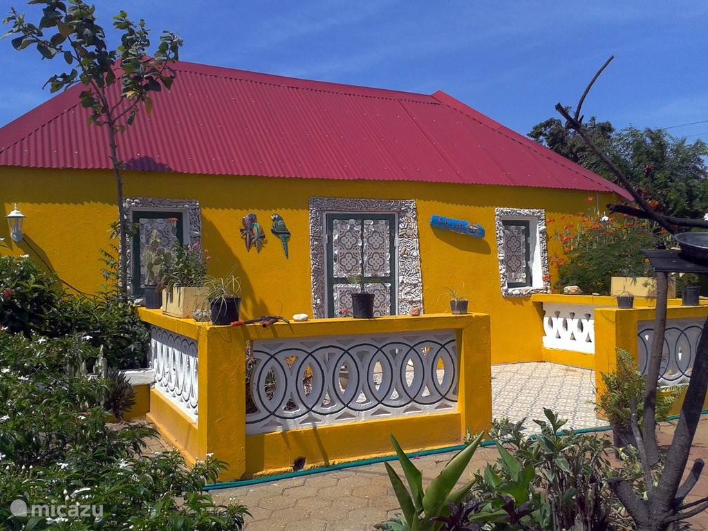 Vooraanzicht Kunuku huis