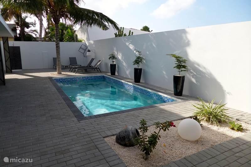 Vacation Rentals Aruba Eagle Beach Area