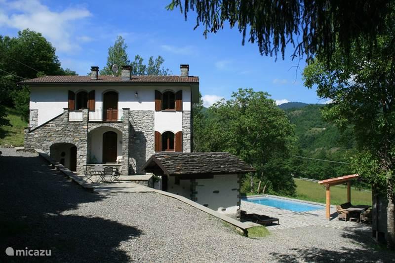Vakantiehuis Italië, Emilia-Romagna, Borgo Val di Taro (Parma) Villa Casale delle farfalle
