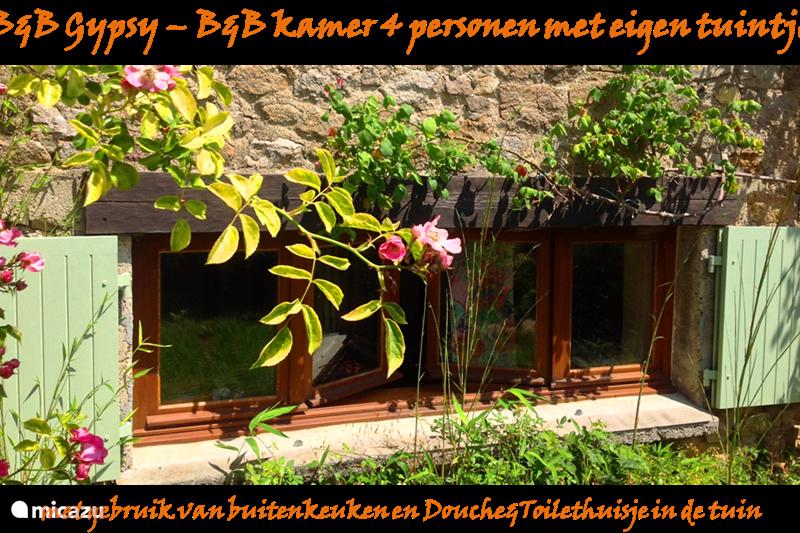 Vacation rental France, Charente, Mazières Apartment Family room (external shower / toilet)