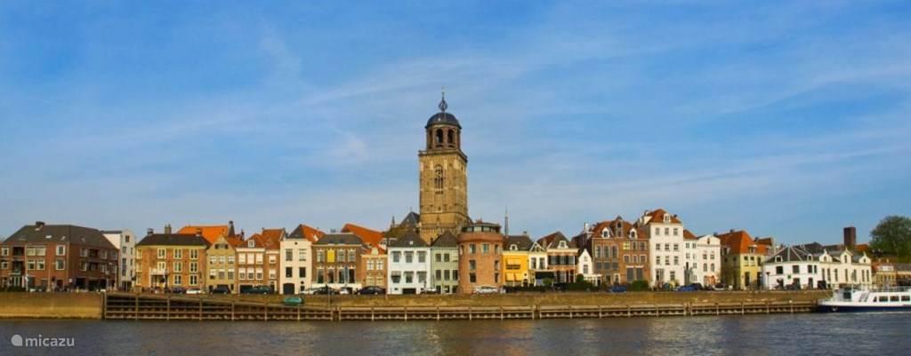 Historische Hanzestad Deventer op nog geen zes kilometer! Wij geven u graag de leukste tips en beste adresjes voor een onvergetelijk verblijf.