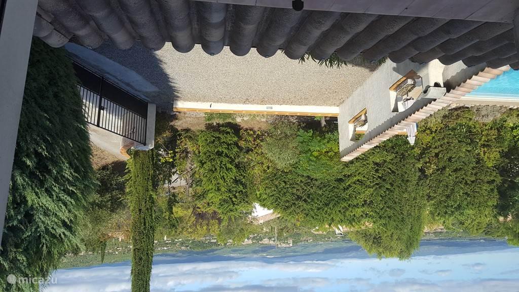 Uitzicht vanaf bovenslaapkamer