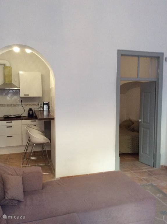Gelijkvloers slaapkamer en keuken