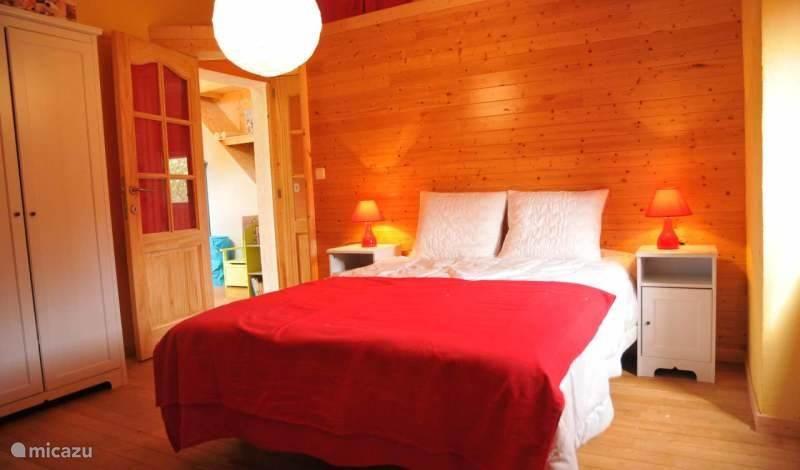 Slaapkamer 4, juist naast de kinderen slaapkamer en de speelkamer